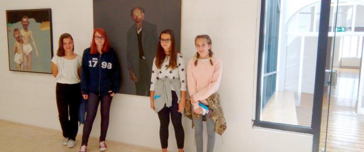 Naše učenke razstavljajo v Koroški galeriji likovnih umetnosti Slovenj Gradec